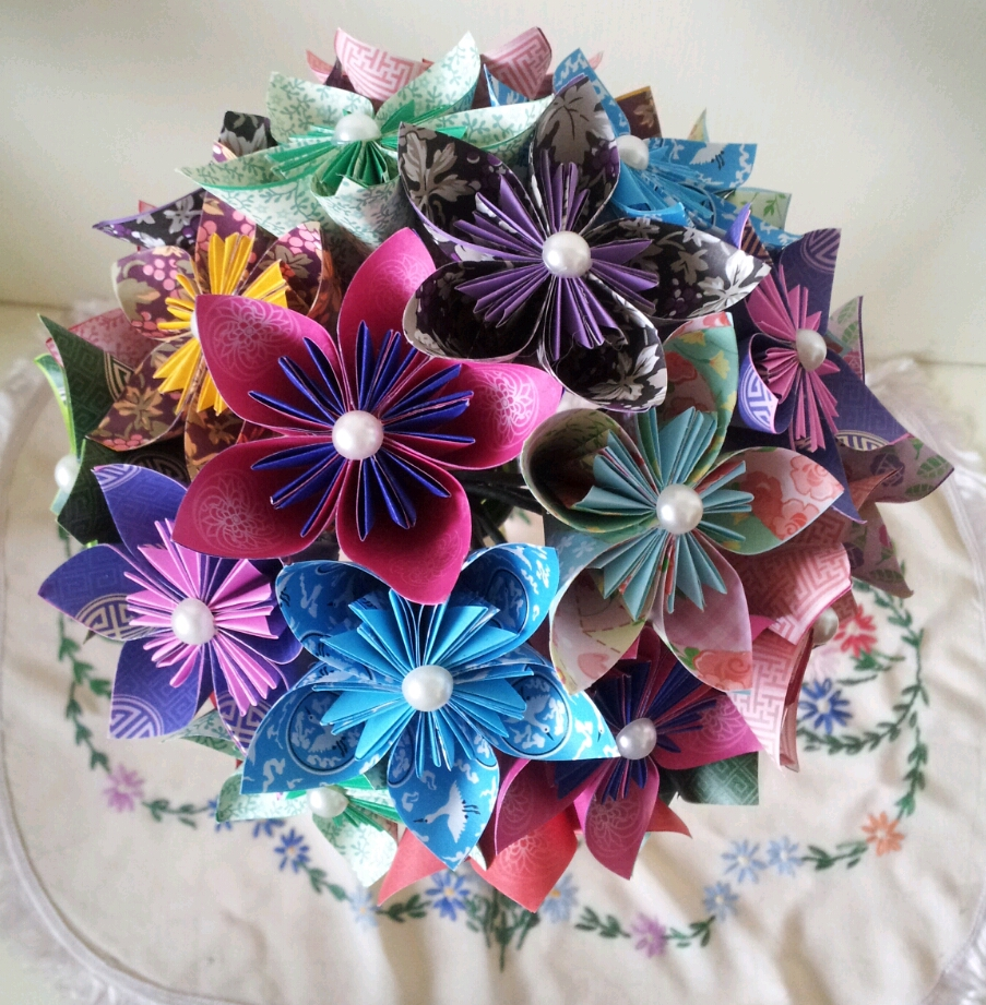 Handmade paper flowers heart handmade blog handmade for Handmade craft ideas to sell